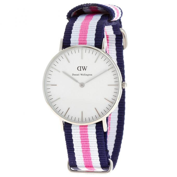 montre daniel wellington dw00100050 montre tissu nato bleue rose blanche femme sur bijourama. Black Bedroom Furniture Sets. Home Design Ideas