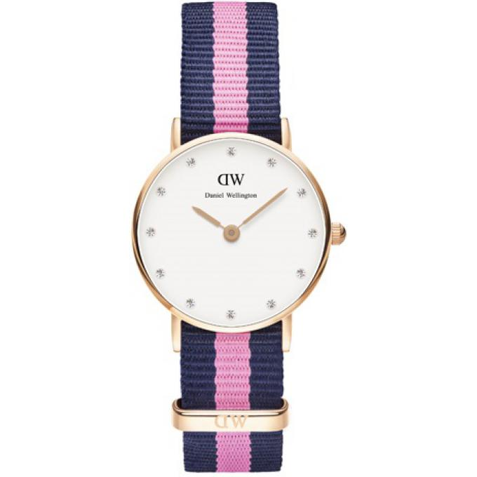 montre daniel wellington dw00100065 montre tissu nato navy bleue rose boitier or femme sur. Black Bedroom Furniture Sets. Home Design Ideas